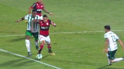 Veja os lances em que o Flamengo reclama da arbitragem no empate diante do Palmeiras