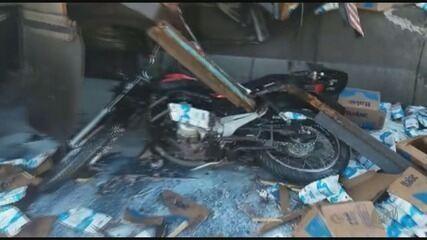 Quatro ficam feridos em acidente na Rodovia Carlos Tonani em Taquaritinga, SP