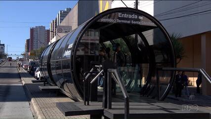 Cobrador é baleado em estação de Curitiba