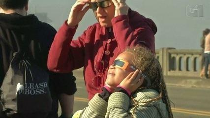 Eclipse solar total é assistido nos EUA e parcialmente no Brasil