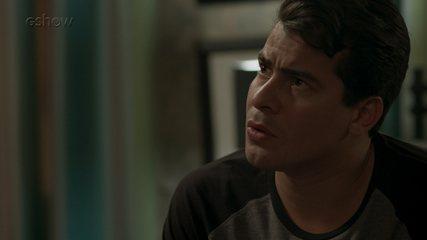 Teaser 'Pega Pega' 30/8: Arlete conta a Júlio porque teve que desaparecer