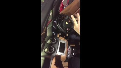 Donos da empresa Wall Street Corporate gravam vídeo para mostrar compra de carro de luxo