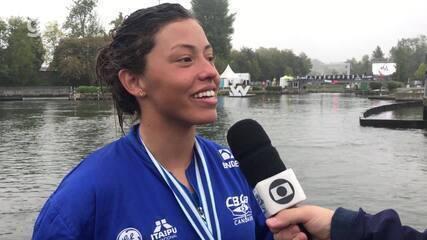 Ana Sátila comemora a conquista das duas medalhas no Mundial