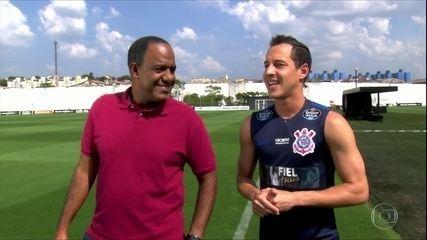 Rodriguinho diz que vive melhor ano da carreira e espera terminar com título brasileiro