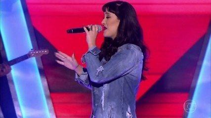 Rafaela Faria canta 'Envolvidão'