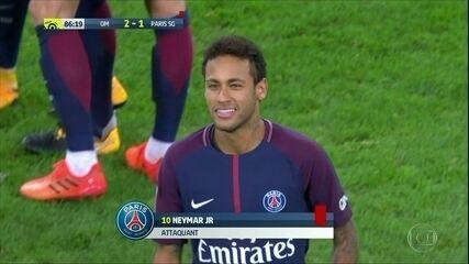 Neymar marca e é expulso em empate do PSG
