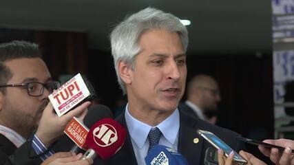 Deputado Alessandro Molon, da Rede, comemora decisão da ministra Rosa Weber