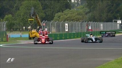 Inglês da Mercedes recebe a quadriculada e comemora o tetra na F1