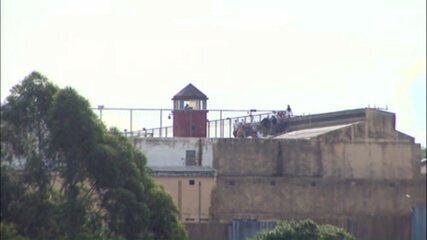Presos da Penitenciária Estadual de Cascavel fazem rebelião, diz Depen