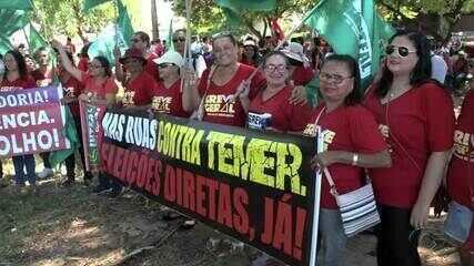 Movimentos sindicais protestam contra reformas da Previdência e Trabalhista, em Maceió