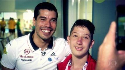 Daniel Dias é exemplo para jovens nas Paralimpíadas Escolares