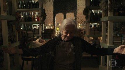Relembre a cena em que Mercedes (Fernanda Montenegro) enfrentou a Morte