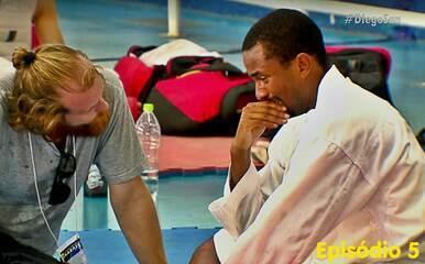 Diego San Ep05: repórter-carateca vive drama com lesão e cirurgia no joelho