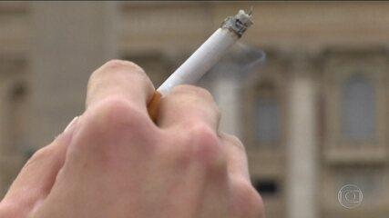 Justiça americana obriga fabricantes de cigarros a pagar campanha sobre risco do fumo