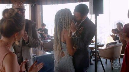 No Estrelas do Brasil em São Paulo, Danilo aceita pedido surpresa de casamento