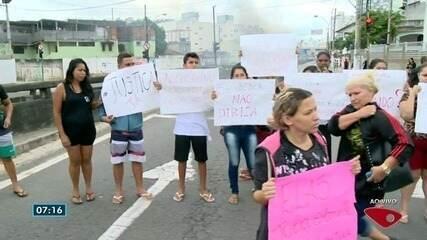 Protesto fecha um dos acessos à Terceira Ponte, em Vila Velha, ES