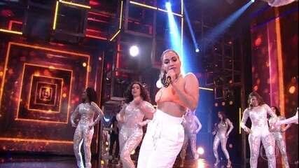 Anitta arrasa cantando 'Show das Poderosas'