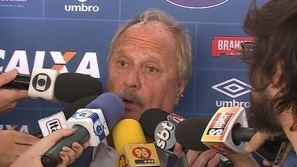 Presidente do Cruzeiro confirma reforços e diz que Mano vai ter trabalho para escalar