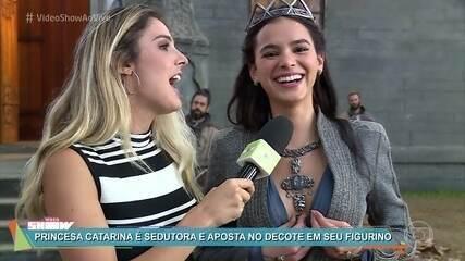 Bruna Marquezine apresenta sua princesa Catarina