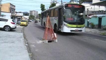 Cariocas reclamam dos buracos nas ruas e avenidas da cidade