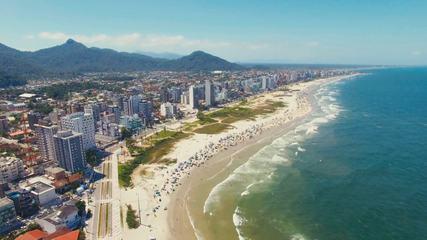 Com a praia limpa o verão fica ainda mais bonito