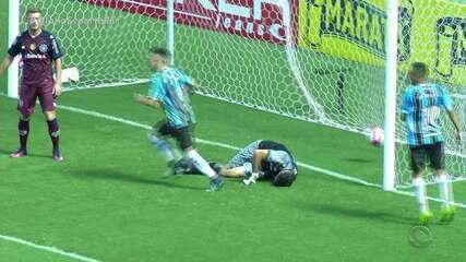 Jogo repleto de gols lança vitória de Caxias em cima do Grêmio