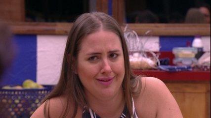 Patrícia diz para Lucas: 'Você não está com calor para tirar a blusa?'