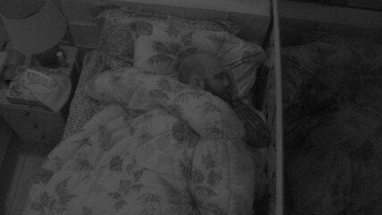 Além de Ayrton e Nayara, Caruso também dorme no Quarto Tropical