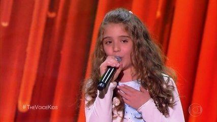 Giovanna Alvarenga canta 'Flor do Reggae'