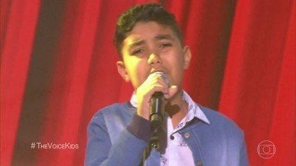 Daniel Arthur canta 'Flores'