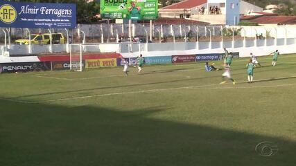 Nona marcou dois gols contra o Coruripe