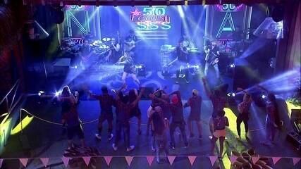 Começa o show de Naiara Azevedo na Festa Femineja