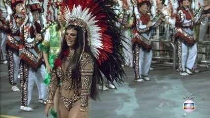 Viviane Araújo é rainha de bateria da Mancha Verde