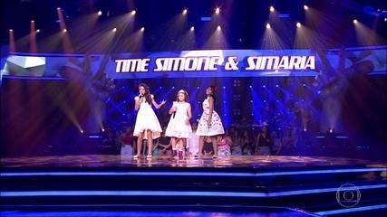 Ana Julia, Jennifer Campos e Lorena Fiori cantam 'Fica'