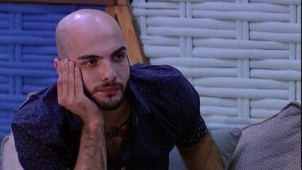 Mahmoud confessa: 'Lucas é a primeira pessoa que saiu e dói em mim'