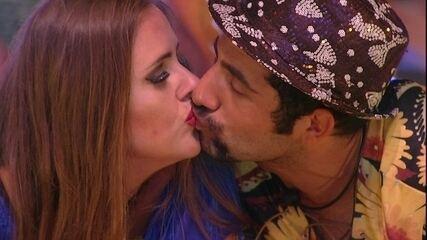 Patrícia pede beijo a Kaysar: 'Na boca'