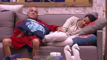 Ayrton reclama de Ana Clara dormindo: 'Só vou chamar uma vez'