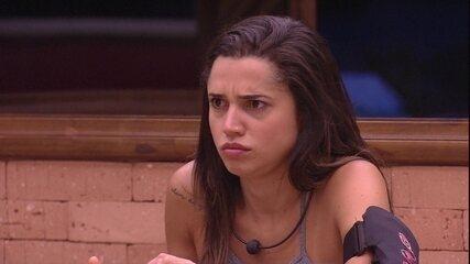 Paula desabafa com Gleici: 'Se tiver que ir, eu vou'