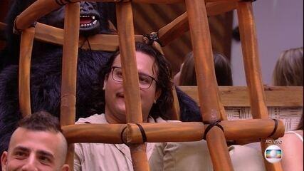 Diego é liberado do castigo do Monstro