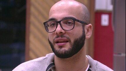 Mahmoud sobre ir ao Paredão com Gleici: 'Me magoa muito'