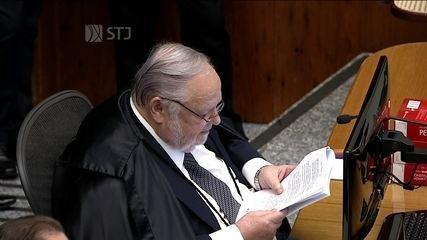 Ministro Félix Fischer profere seu voto sobre pedido de habeas corpus de Lula