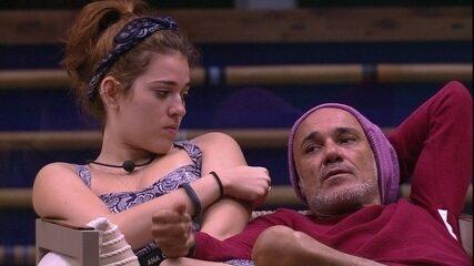 Ana Clara e Gleici contam a Ayrton que vetarão Viegas