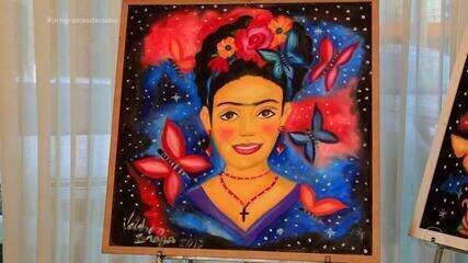 A pintora Frida Kahlo é tema de quadros e estampas de artista piauiense