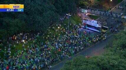Protestos no RS pedem prisão de Lula um dia antes de julgamento de habeas corpus