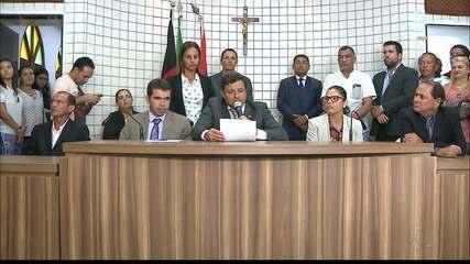 Vítor Hugo assume Prefeitura de Cabedelo e diz que vai exonerar comissionados