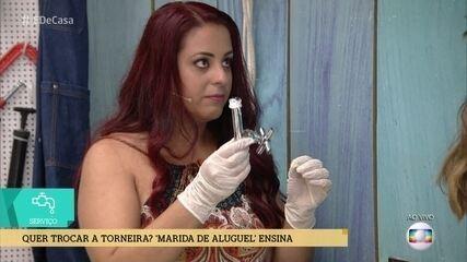 Nattasha é 'marida de aluguel' e ensina a fazer reparos em torneiras e pias