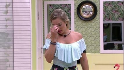Jéssica chora no Quarto Tropical
