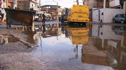 Chuva forte provoca alagamentos e lentidão no trânsito de Salvador