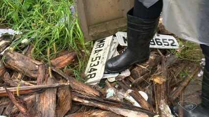 Placas perdidas são encontradas após chuvas na Grande Vitória