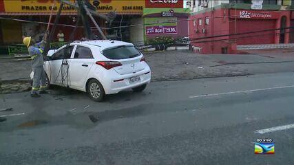 Motorista perde o controle e colide contra poste em São Luís